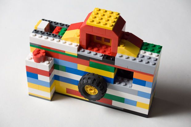 50 insanely creative lego diy project tutorials for Diy lego crafts